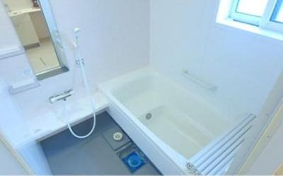 【浴室】ロイヤルティアラⅢ