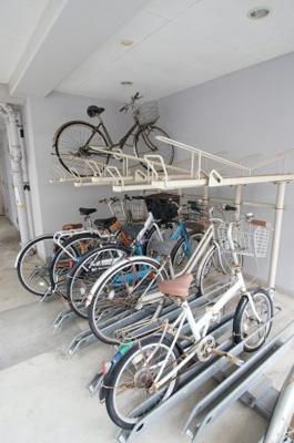 敷地内にある駐輪スペース