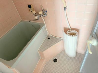 【浴室】オグロビル