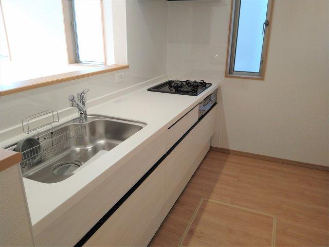 リビング隣和室設計で21帖超!空間広々で自然と家族が集まる空間に♪