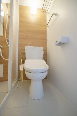 温水洗浄便座付のトイレ