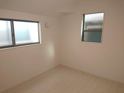全居室、窓と収納がついているプライベートルーム。心地よい陽光と風が舞い込む空間でお家時間も快適に!