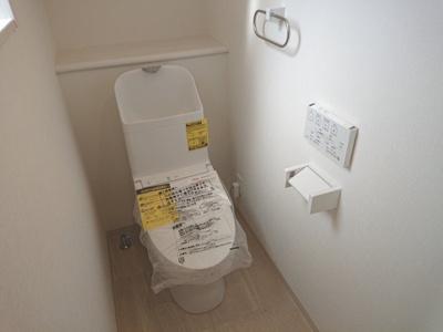 1階・2階にトイレがあるので、朝の混雑も解消され、トイレのたびに階段を上り下りする手間もありません!