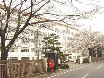 二松学舎大学まで828m
