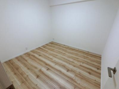 5.0帖の洋室です。 子供部屋やワークスペースとしても活用できます。