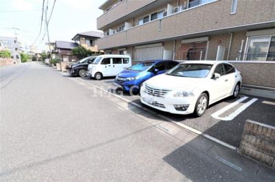【駐車場】フローラ