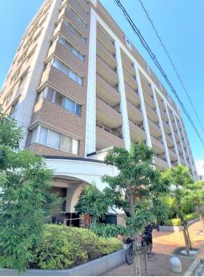 総戸数72戸 10階建てのマンションです