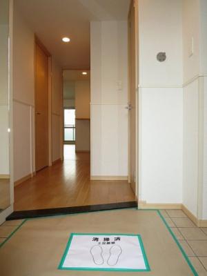 【玄関】モヤ コリバ