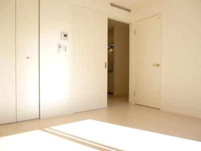 【居間・リビング】グリーン・フロッグ・ガーデン タナカ