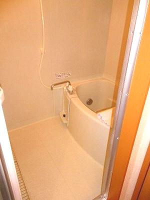 ゆったりした浴室でくつろぎのバスタイムを7