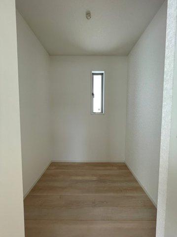 2階洋室ウォークインクローゼット