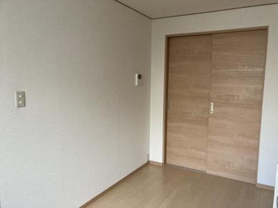 スリーハイム 201号室