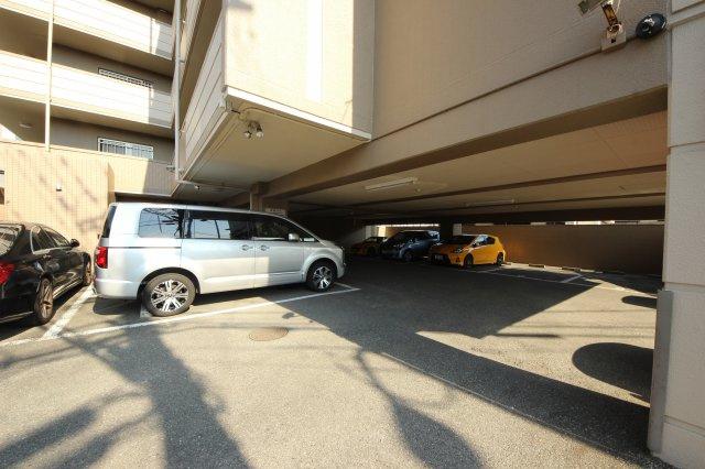 【駐車場】クローバーマンション空港東