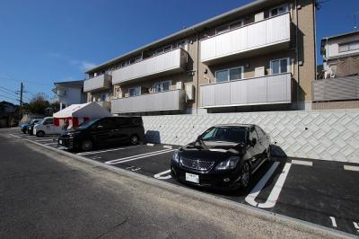 【駐車場】ガーデン高取