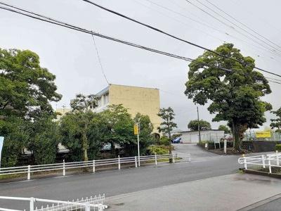 牧田小学校まで311m