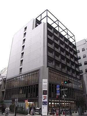 川崎駅徒歩4分のマンションです。