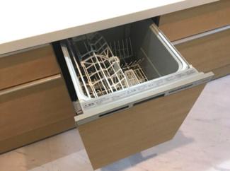 ビルトイン食器洗浄機。