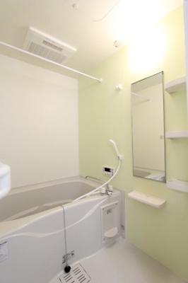 【浴室】フェリス・K