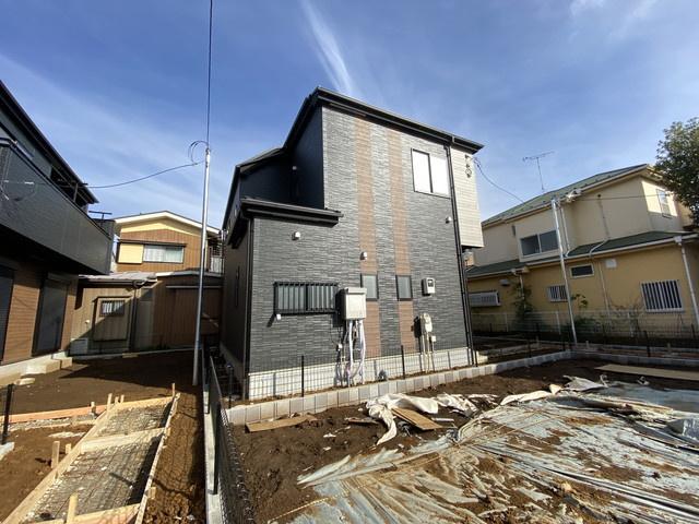 敷地が約45坪から約48坪と広いのでユッタリした配置になっています。