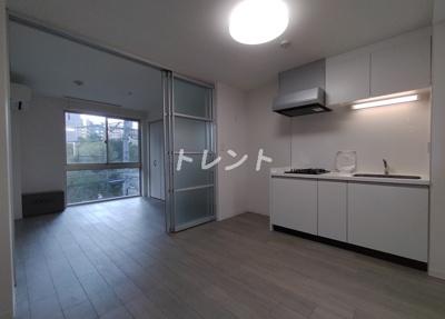 【居間・リビング】リベルタ東新宿