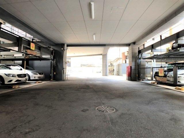 きちんと管理された敷地内駐車場です。 空き状況はご確認ください