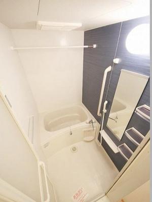 【浴室】アイフィ-ルド山津