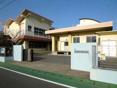 小佐井小学校まで2400m