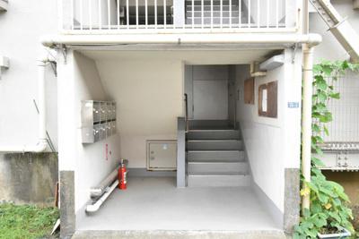 【エントランス】ビレッジハウス三田1号棟