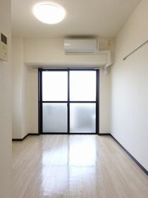【居間・リビング】エル・ヴィエントアース武蔵関公園