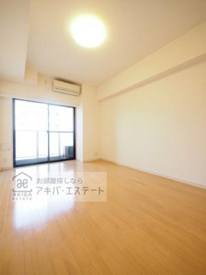 【居間・リビング】GENOVIA亀戸 green wall