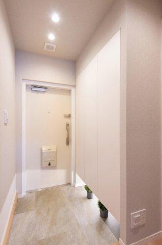 東急ドエルアルス石川台:玄関にはシューズボックスがあり靴もスッキリ収納可能です!