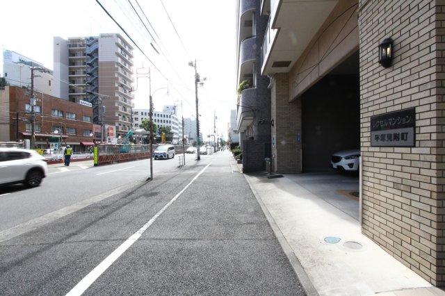 JR東海道本線・湘南新宿ライン「平塚」駅まで徒歩6分の好立地◎通勤・通学も大変便利ですね。学区は崇善小学校、江陽中学校になります。
