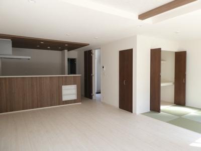 碧南市平七町2丁目新築分譲住宅5号棟写真です。2021年9月撮影
