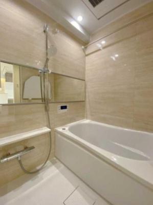 ライオンズマンション初台のお風呂です。