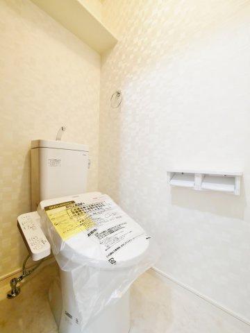 トイレは1階・3階にございます (温水洗浄便座機能付きトイレ新規交換)
