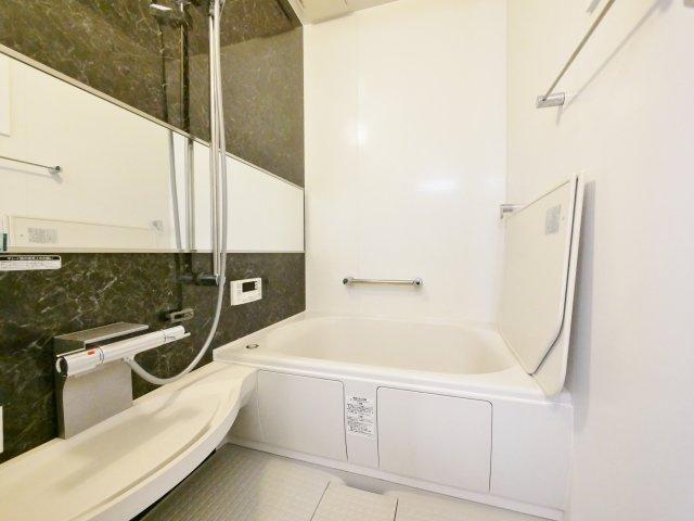 ご家族皆様がゆったりご入浴いただける浴室 (浴室水栓交換)