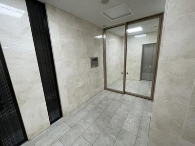 【エントランス】カメリアコート新宿