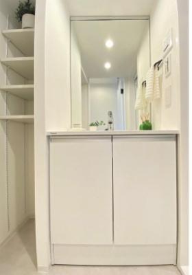 桜台武蔵野マンションの洗面台です。