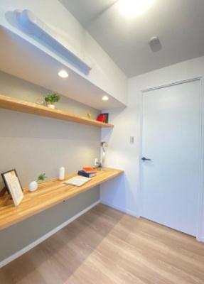 桜台武蔵野マンションの在宅ワークスペースです。