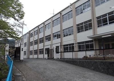 岩倉北小学校まで400m