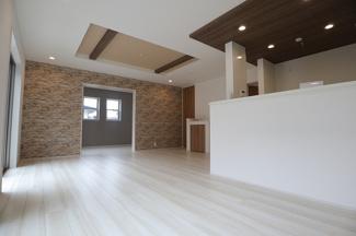 千葉市若葉区千城台東 新築一戸建 千城台駅 折り上げ天井となっております!