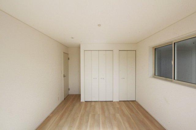 全居室クローゼット付&納戸がある収納豊富なおうち◇お部屋ごとに荷物がスッキリ片付きます。納戸は大きな荷物収納はもちろん、居室としてもご利用できる広さがございます♪