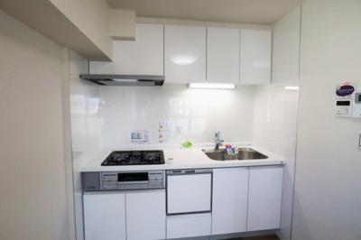 キッチン新調いたしました!浄水器、食洗機付です。