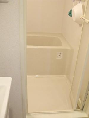 バストイレは別♪バスルームにはシャンプー・リンス・ボディソープをご用意しておりますのでぜひご活用くだ