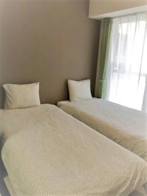 落ち着いて過ごせるお部屋なので、寝室にいかがでしょうか♪