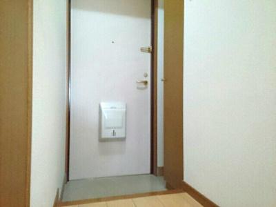 【玄関】ロワ・リオン上町