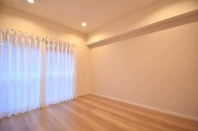 モナーク杉並B棟の洋室です。
