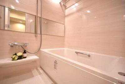 モナーク杉並B棟のお風呂です。