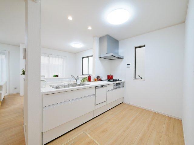 人気の対面キッチン 食器洗乾燥機が標準装備です
