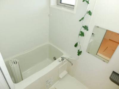 浴室(小窓付き)